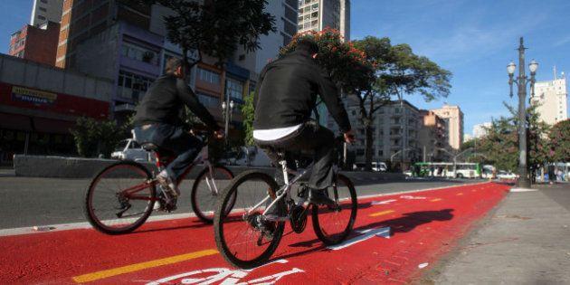 Ministério Público entra na Justiça e para interromper obras de ciclovias em São