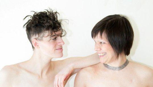 Mulheres que fizeram mastectomia viram estrela de campanha de