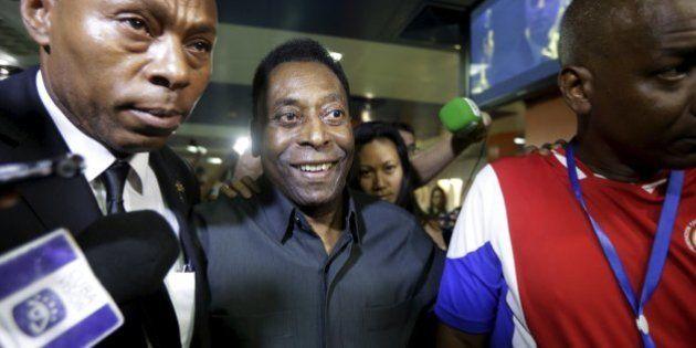 Pelé declara apoio à reeleição de Joseph Blatter, mesmo após escândalo na Fifa:
