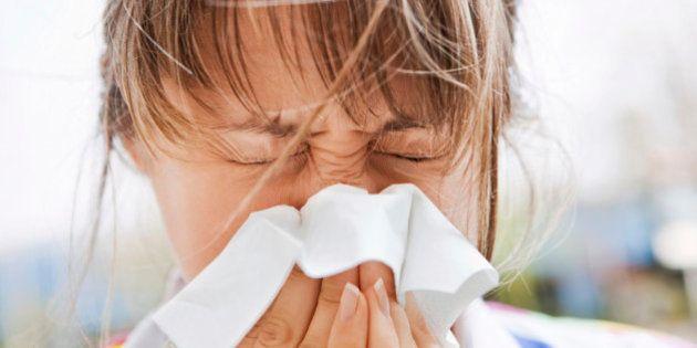 Resfriado é o principal motivo de saúde para faltas no trabalho ou estudos, segundo o