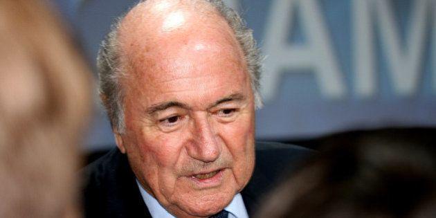 Blatter anuncia saída da Fifa em meio a escândalo de