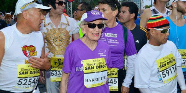 Vovó incrível de 92 anos é a pessoa mais velha a correr uma