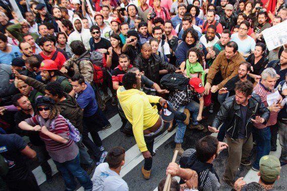 Professores de SP decidem continuar greve que já é a mais longa da