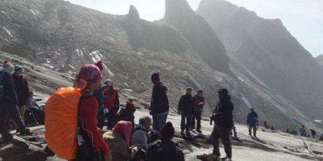 Terremoto mata 2 e deixa centenas de alpinistas isolados na Malásia, dizem