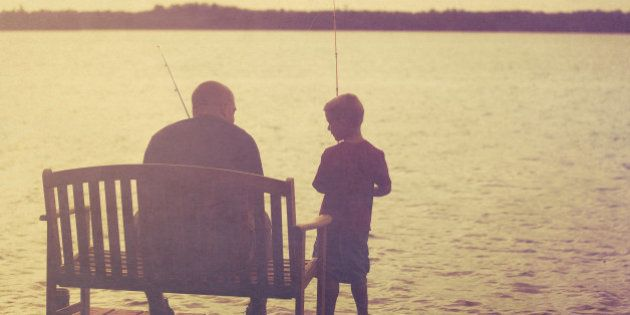 Está difícil criar filhos e filhas? Que