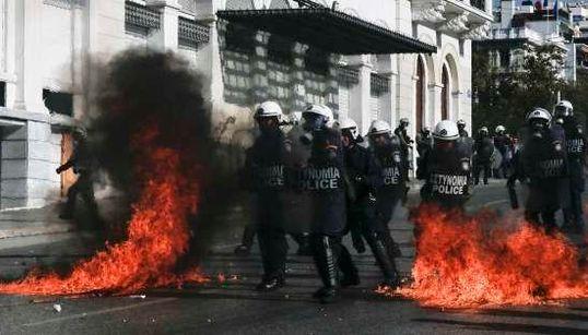 FOTOS: O que está em jogo na greve geral da