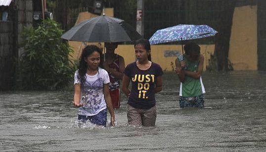 FOTOS: Com ventos de 170 km por hora, tufão deixa 17 mortos nas