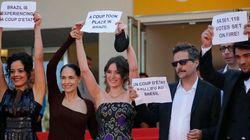 ASSISTA: Sonia Braga e elenco de 'Aquarius' protestam contra o impeachment em