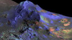 Astrônomos encontram vidro em crateras de
