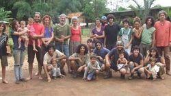 Esta família fundou uma vila para viver de forma