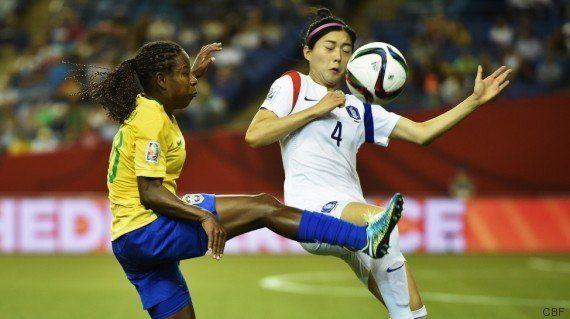 Marta bate recorde de gols na estréia do Brasil no Mundial