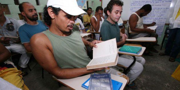 Culminância do projeto de leitura dos estudantes da Escola Especial Lemos de Brito/Penitenciária Lemos...
