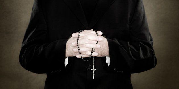 Por que a Igreja Católica nos desrespeita ao continuar encobrindo denúncias de