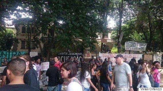 A ocupação Escola Fernão Dias Paes na visão de quem mora e se manifesta em