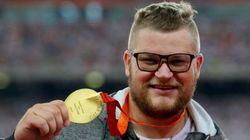 Polonês fica bêbado e paga táxi em Pequim com medalha de