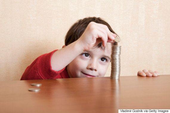 Educação financeira: Como ensinar crianças a pouparem
