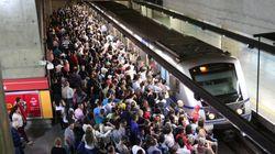 Que coisa! 63% dos usuários de metrô dizem ter carro mas preferem os