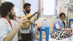 Com a música, a esperança vence a preocupação nesta UTI para