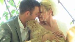 ASSISTA: Eles decidiram se casar em uma cerimônia apenas com 1001