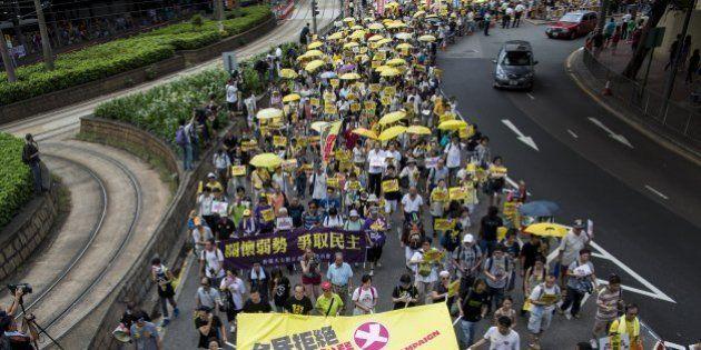 Milhares de pessoas protestam em Hong Kong em favor do voto