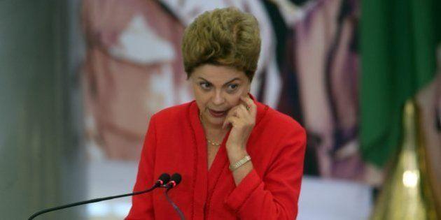 Presidente Dilma Rousseff ainda não decidiu se vai vetar ou não o fim do fator