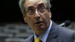 Grupo de 35 deputados pede afastamento de Cunha da presidência da