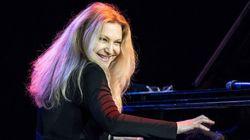 Representou! Pianista brasileira Eliane Elias ganha Grammy de