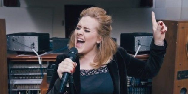 Adele lança novo clipe 'When We Were Young'