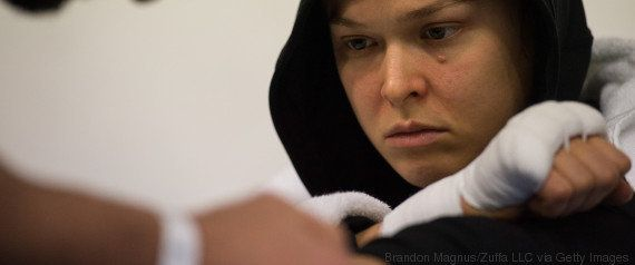 Ronda Rousey revela batalha pela saúde mental após 1ª derrota no UFC e ter pensado em