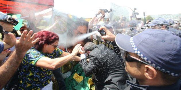 Em Brasília, confusão atrapalha Marcha das Mulheres Negras após policial disparar para o