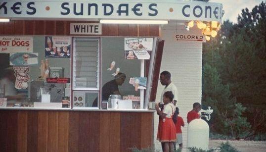 FOTOS: Não podemos esquecer deste ensaio sobre segregação racial dos anos