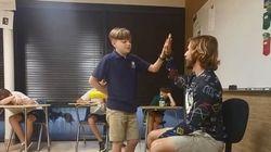ASSISTA: Este professor dedica 10 minutos da aula para elogiar e estimular os