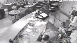ASSISTA: Vídeos mostram momentos de desespero durante ataque a café em