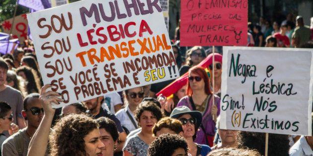 Transexuais ainda precisam recorrer à Justiça para mudar nome e gênero no