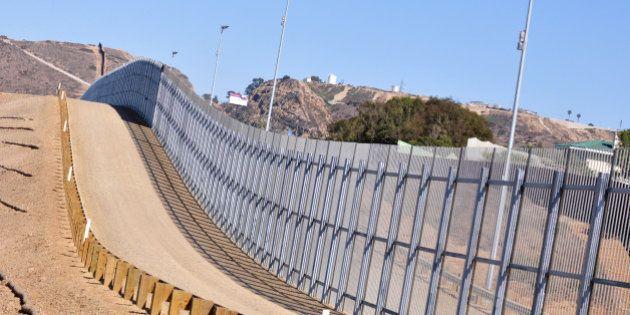 Candidato republicano à presidência dos EUA defende muro em fronteira com