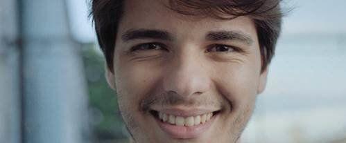 Com este vídeo, você pode cuidar do sorriso de mais de 2000 jovens
