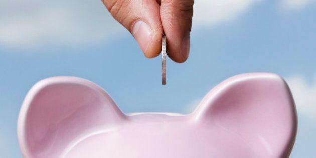 Economistas recomendam reservar dinheiro para enfrentar crise
