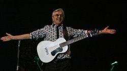 Com homenagem à Palestina, Caetano encerra Virada