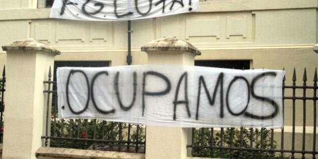 Em dois dias, 1.300 aulas são 'doadas' por grupo que apoia protesto em