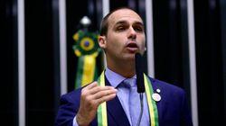 Filho de Bolsonaro quer alterar Lei do Racismo e do Terrorismo para proibir