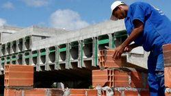 Brasil fecha 169.131 vagas formais de emprego em