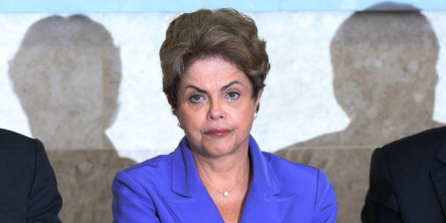 Dilma sanciona lei que reduz desoneração da folha de