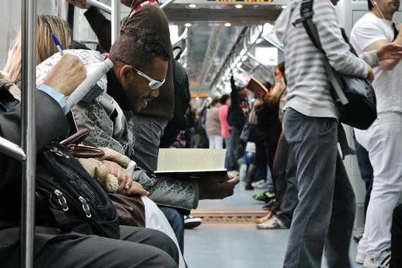 Minha rotina no transporte público: 'Aguardando a movimentação do trem à