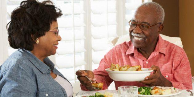 Pessoas que comem menos vivem