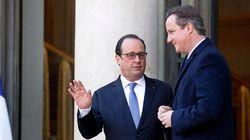 Hollande e Cameron visitam Bataclan para homenagear vítimas dos