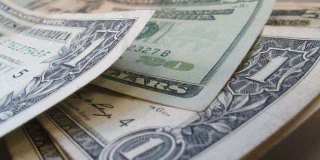Dólar já é encontrado por R$ 4,40 nas casas de
