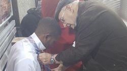 Você vai sorrir ao saber como este casal de idosos ajudou um jovem no