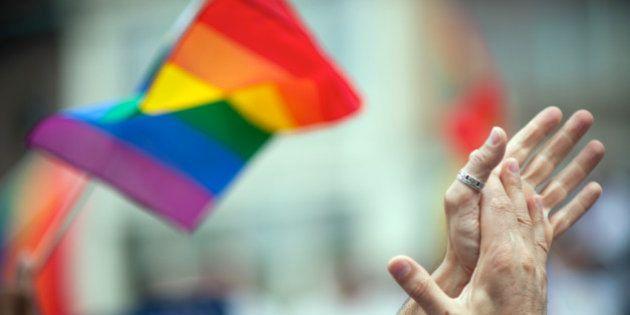 COI muda regra e permite atletas transgêneros em competições