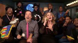 ASSISTA: Adele e Jimmy Fallon fazem versão 'de brinquedo' da música