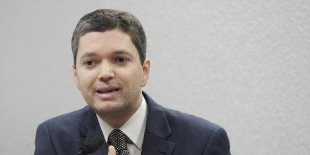 Novos áudios mostram ministro da Transparência orientando Renan sobre inquérito na Lava